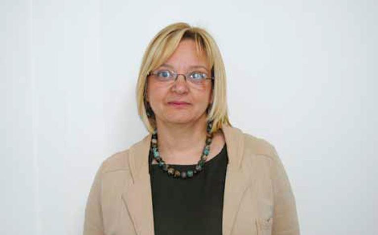 Dr Aleksandra Mikov